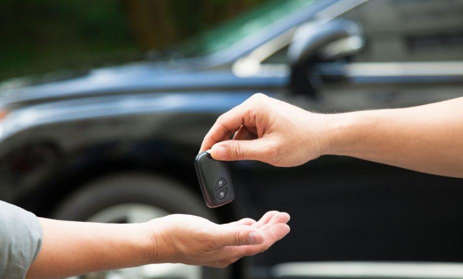 Cambiar la titularidad de un coche entre particulares